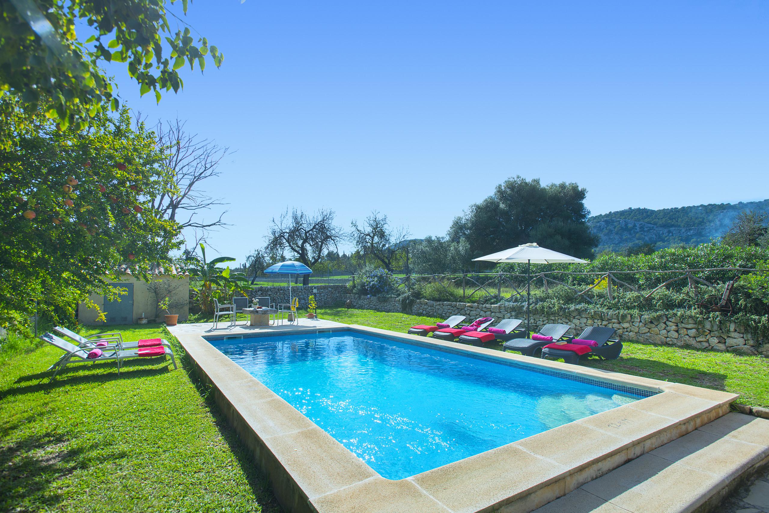 Villa With A Nice Pool And Umbrella ...
